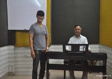 khai giảng lớp luyện thi tiếng hát mãi xanh